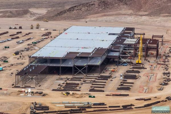 Строительство Tesla Gigafactory