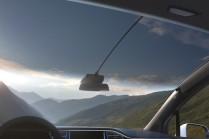 Огромное панорамное стекло Tesla Model X