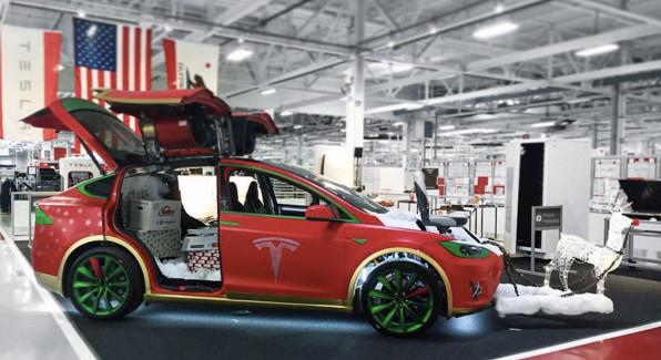 Тюнинг Tesla на рождество
