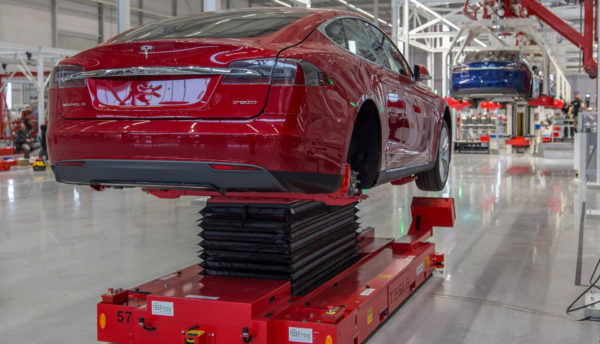 Tesla на заводе