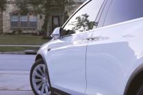 Видео: автоматическое открытие передних дверей на Model X