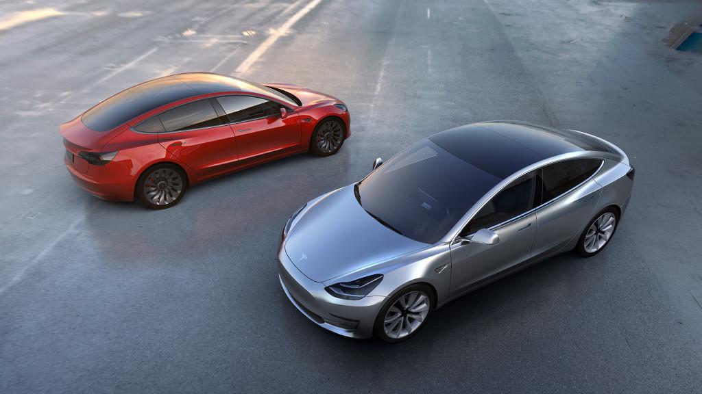 Серая и красная Model 3