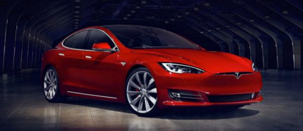 Новая красная Tesla Model S