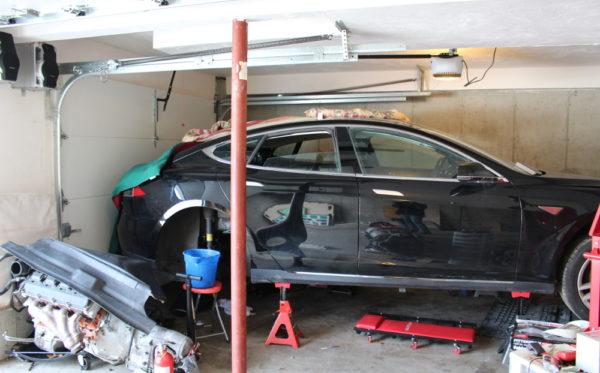 Ремонт утопленной Tesla Model S