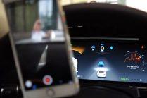 Исследователи взломали Автопилот Tesla с помощью специальных устройств