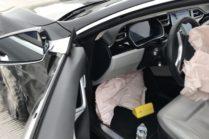 Кадры аварии Tesla на Автопилоте с видеорегистратора