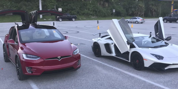 Tesla Model X и Lamborghini Aventador