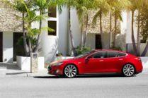 Автомобиль Tesla Model S