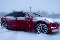 Проявились первые недостатки Tesla Model 3 в холодную погоду